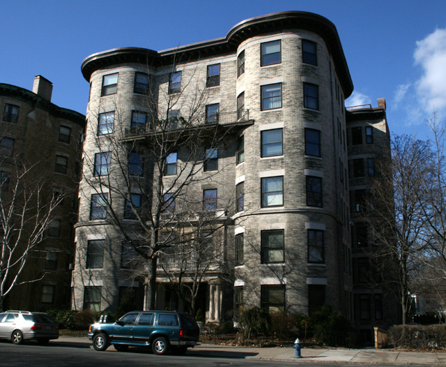 Residents in this co-op apartment building chose window restoration in a fair comparison.